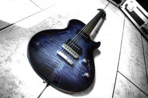 Guitare Vigier GV Wood Ebony Fade P90 d'Alex Cordo